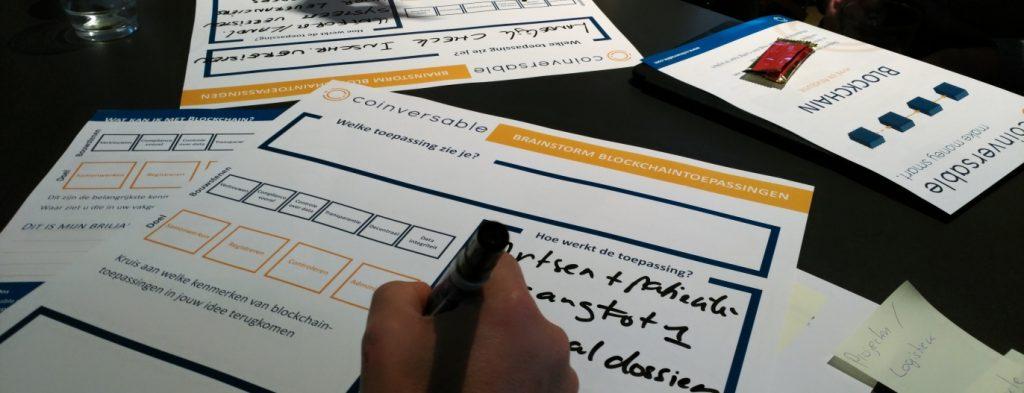 Brainstorm over mogelijke toepassingen tijdens een workshop blockchain